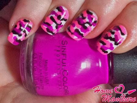 яркий летний камуфляжный дизайн ногтей