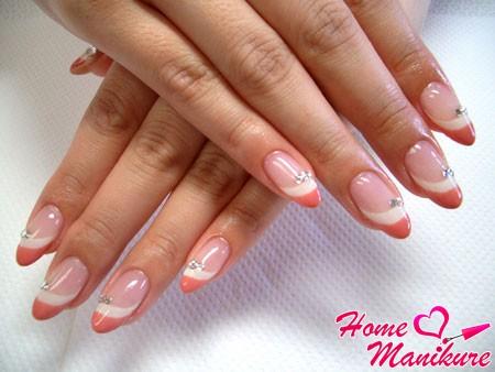 френч в персиковом цвете
