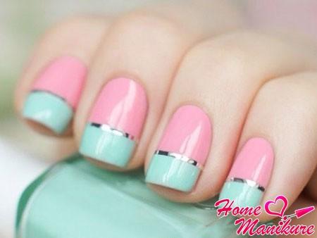 ногти в бирюзовом и розовом цвете