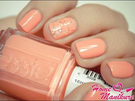 персиковый дизайн ногтей