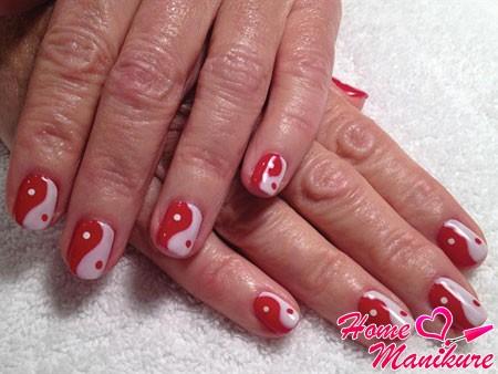 бело-красный дизайн ногтей