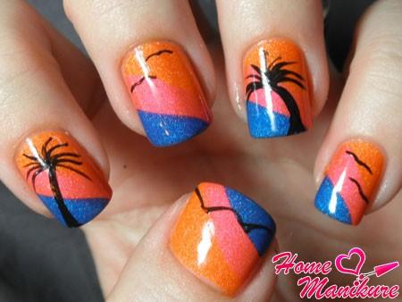 дизайн ногтей с пальмой и чайками
