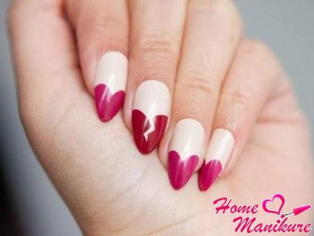 дизайн ногтей с разноцветными сердечками