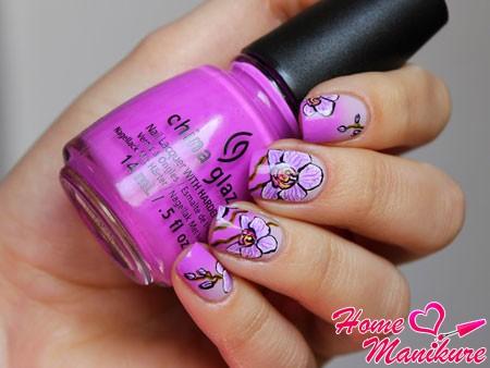 красивый дизайн ногтей с орхидеями
