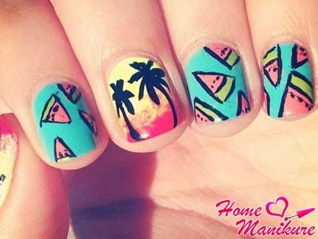 летний дизайн ногтей с арбузами