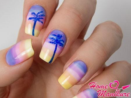 летний пляжный маникюр