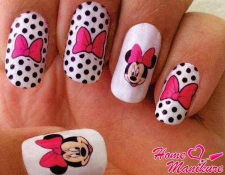 Маникюр с Микки Маусом на ногтях: фото дизайнов