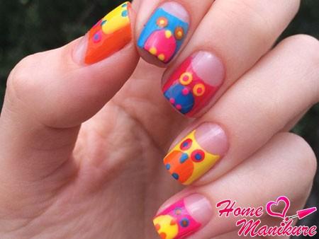 разноцветные совы на ногтях