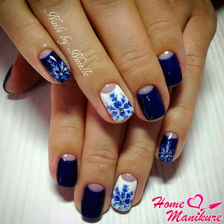 дизайн снежинок на ногтях