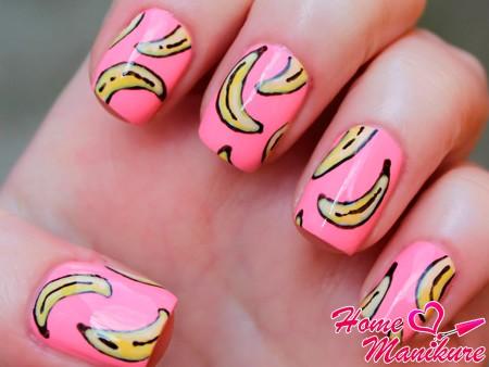 розовый банановый дизайн