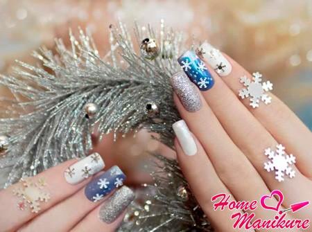 снежинки на длинных ногтях