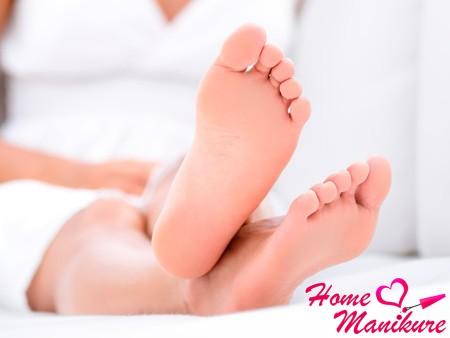 ухоженные ножки после ванночки