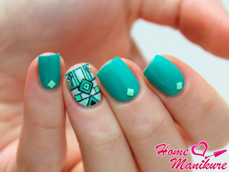 дизайн ногтей с бирюзой