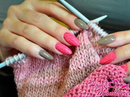 Маникюр с имитацией вязаного свитера