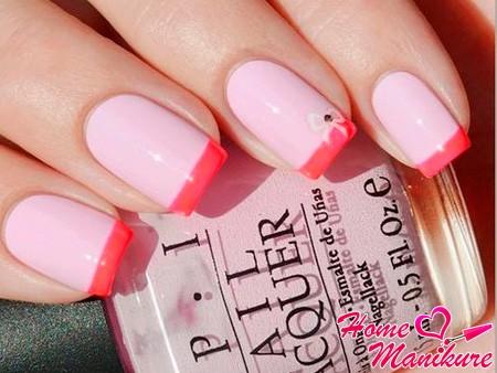 монотонный розовый френч