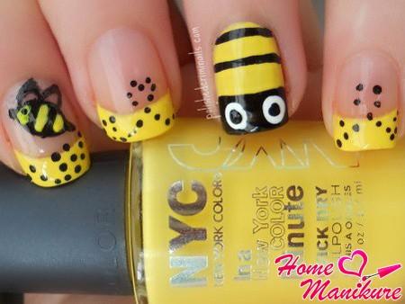 желтый френч с пчелой