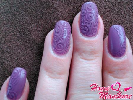 фиолетовый дизайн с узорами