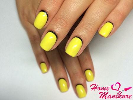 черно-желтый лунный маникюр