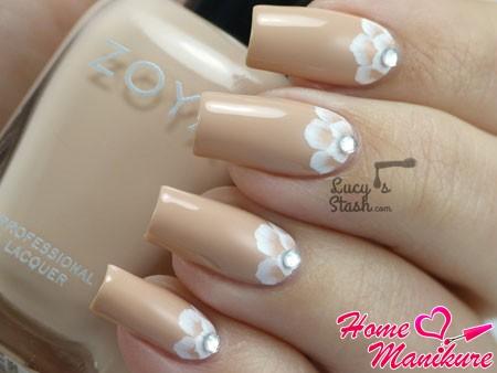 цветочный лунный дизайн ногтей