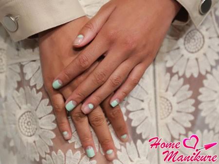 дизайн ногтей с модного показа