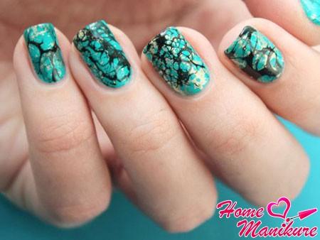 имитация бирюзы на ногтях
