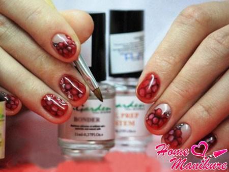 малина на ногтях гель-лаками