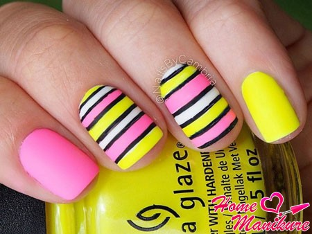 модный дизайн ногтей с желтым и розовым