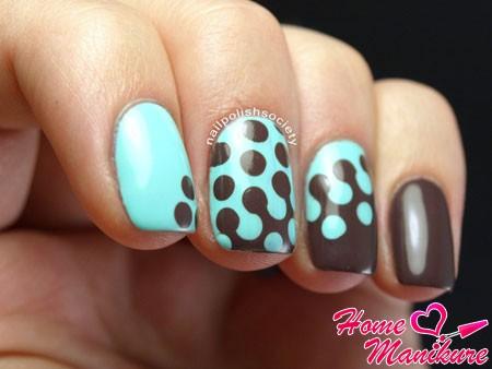 мятно-черный дизайн ногтей