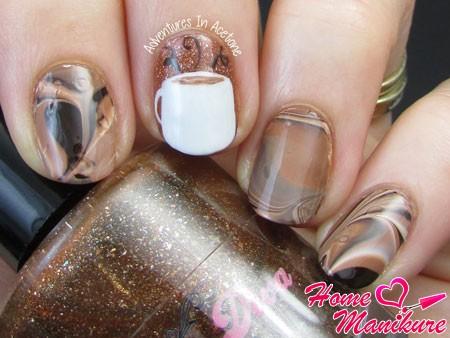 стильный кофейный дизайн ногтей