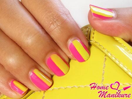 стильный желто-розовый маникюр