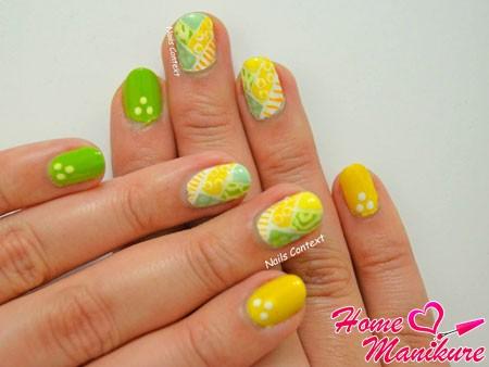 желто-зеленый нейл-арт
