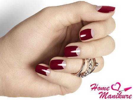 лунный дизайн ногтей марсала