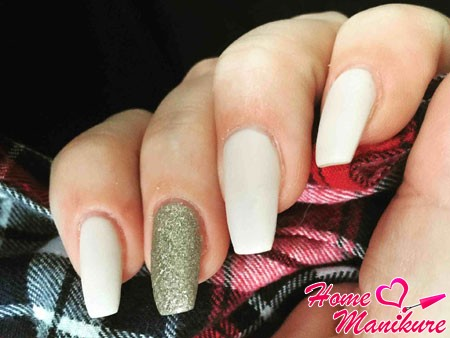 модная форма ногтей балерина