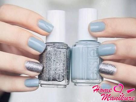 серо-голубые ногти