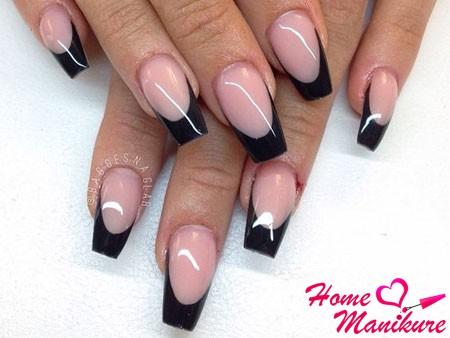 темный френч на ногтях формы балерины