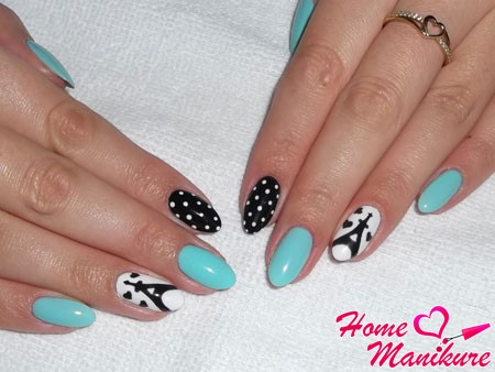 стильный дизайн ногтей с Эйфелевой башней
