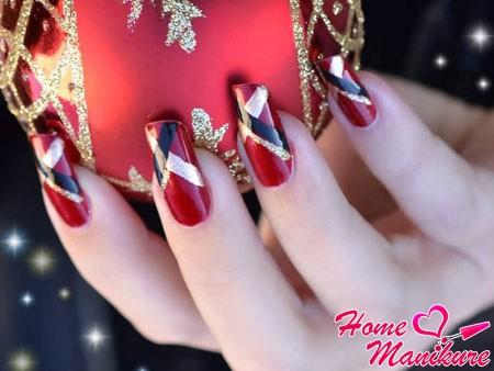 простой и стильный дизайн ногтей