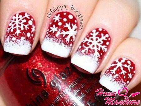 снежинки на красных ногтях