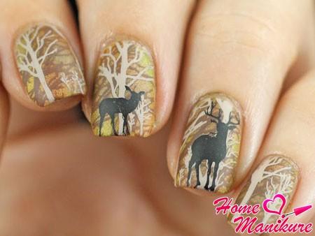 изображение оленей в лесу на ногтях