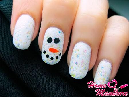 необычный нейл-арт со снеговиком