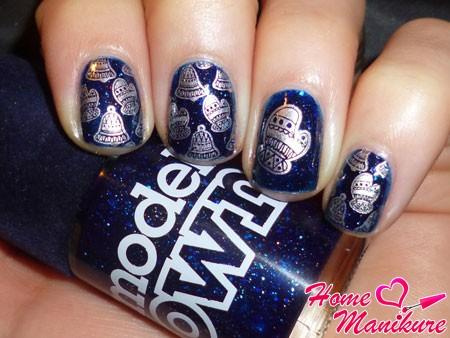 стемпинг-рисунок варежек на ногтях