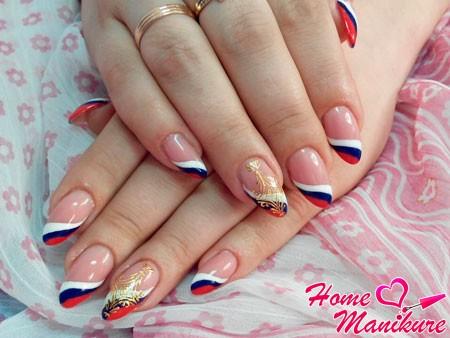 дизайн ногтей в стиле российского флага