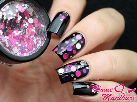 камифубуки на черных ногтях