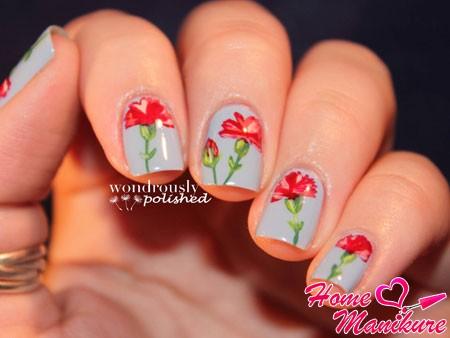красные гвоздики на ногтях