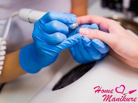 работа фрезером для ногтей