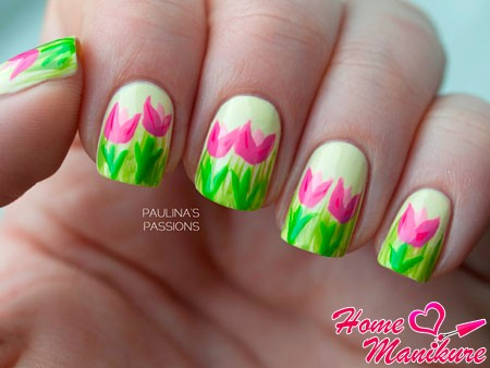 весенний дизайн ногтей с тюльпанами