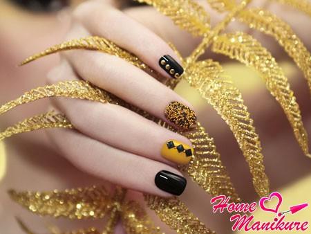 черно-желтый дизайн ногтей