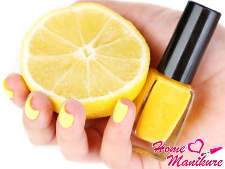 Яркость и сочность лимонного нейл-арта