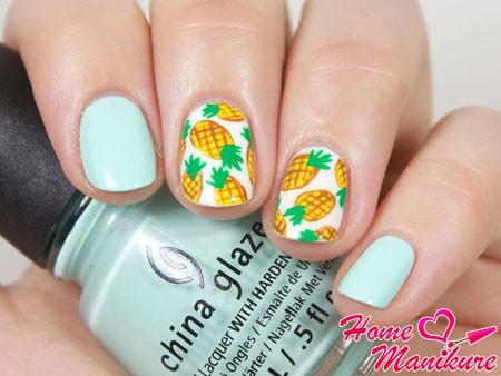 небольшие рисунки ананасов на ногтях