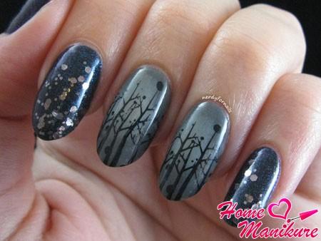 рисунок веток на длинных серых ногтях